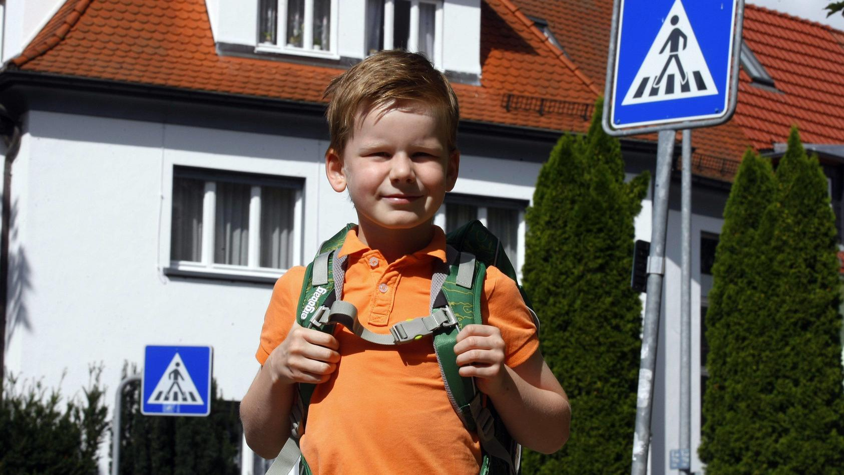 Erfurt 14 08 2014 Henry kommt im September zur Schule in die Erste Klasse Den Schulweg hat er vorh