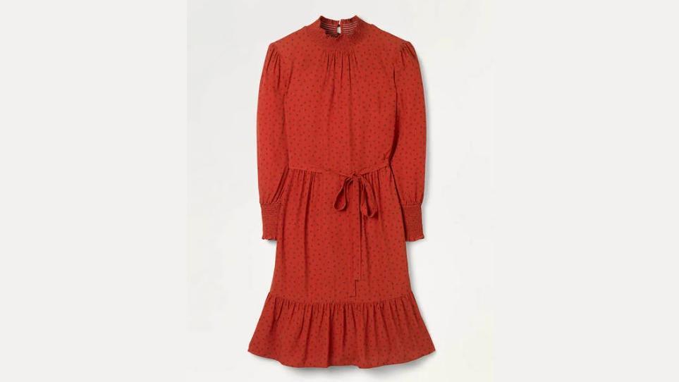 Rotes Kleid von Boden.