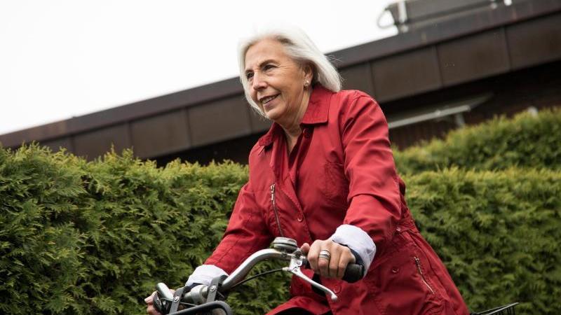 Viel Bewegung und die richtige Ernährung sind die Basis, um bis ins hohe Alter möglichst gesund zu bleiben. Foto: Christin Klose/dpa-tmn