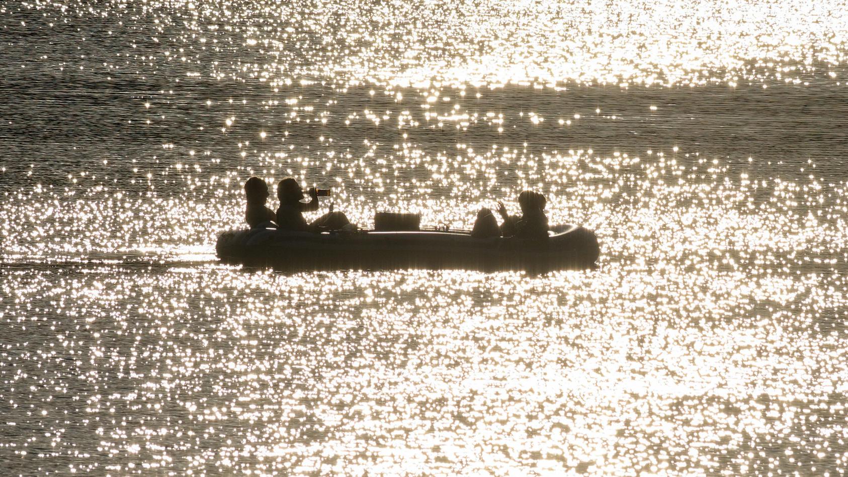 Symbolbild: Schlauchboot auf dem Wasser