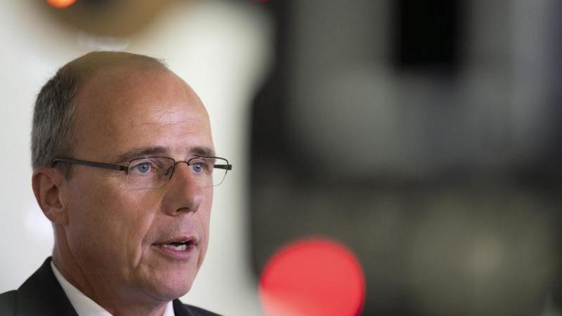 Peter Beuth (CDU), Innenminister von Hessen, spricht. Foto: Boris Roessler/dpa