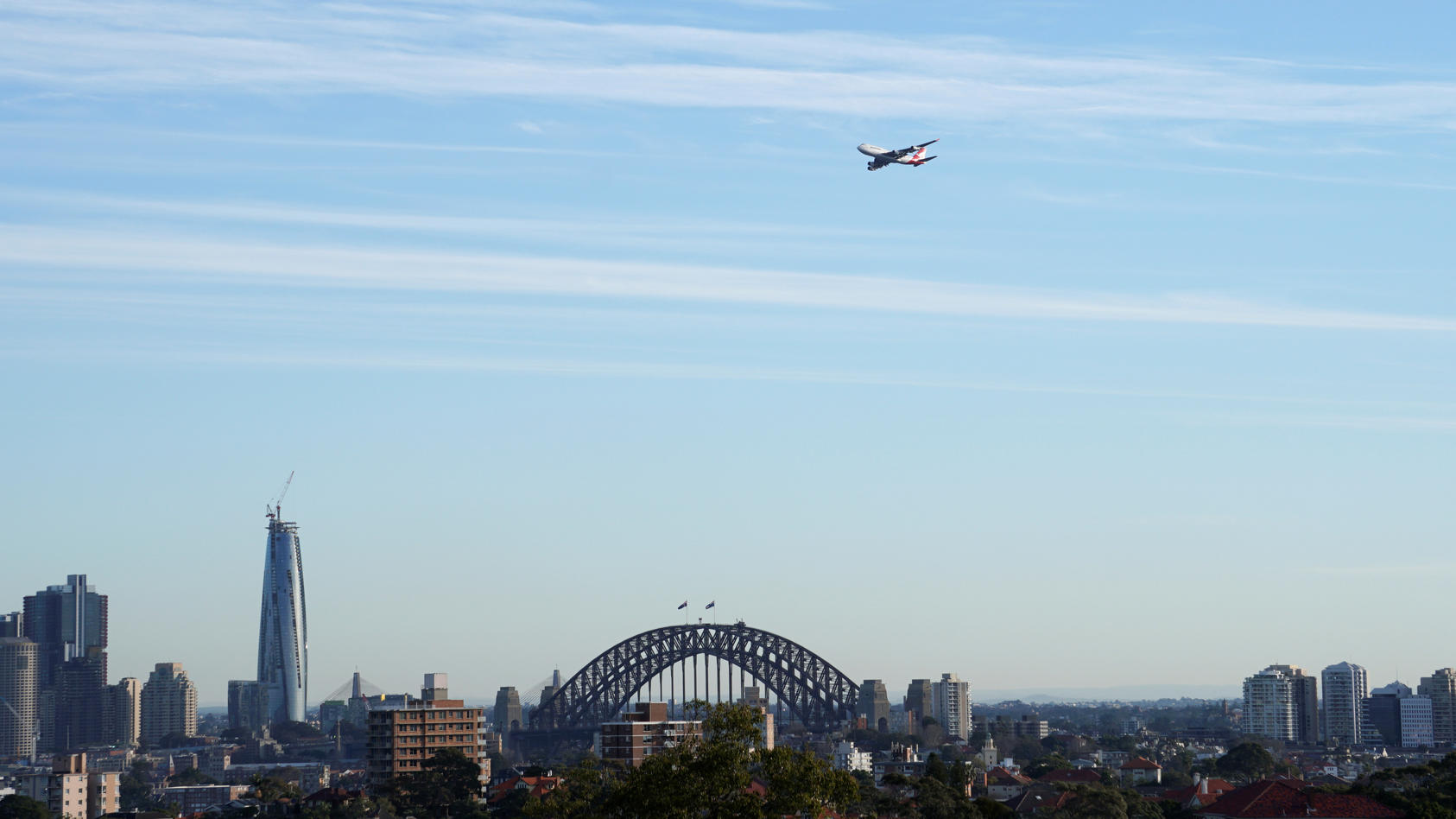 Qantas Jet über Sydney (Archiv Foto)