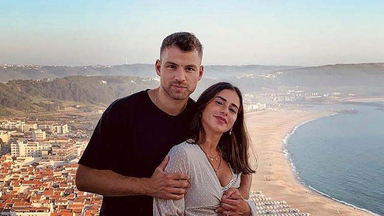 Julian Büscher und Sarah Lombardi  lassen ihre Fans am gemeinsamen Leben teilhaben