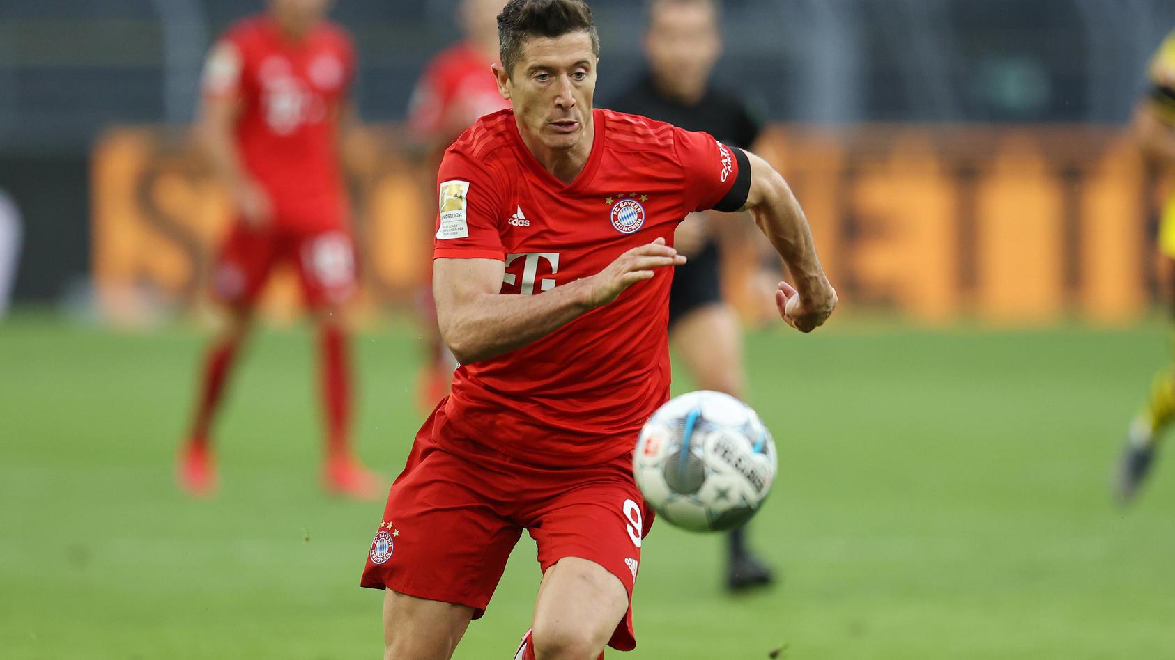 Fussball: 1. Bundesliga: Saison 19/20: 28. Spieltag: Borussia Dortmund - FC Bayern München, Einzelaktion , Robert Lewan