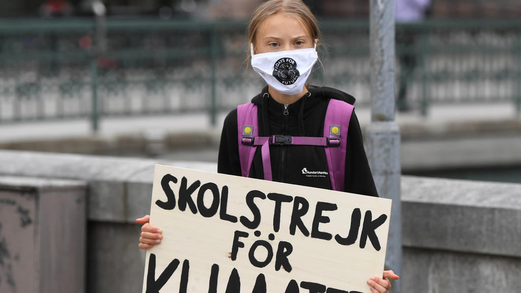 Swedish climate activist Greta Thunberg holds a poster reading School strike for Climate as she protests in front of the Swedish Parliament Riksdagen, in Stockholm, Sweden on Friday 04 Sep., 2020. STOCKHOLM SVERIGE x10080x *** Swedish climate activis