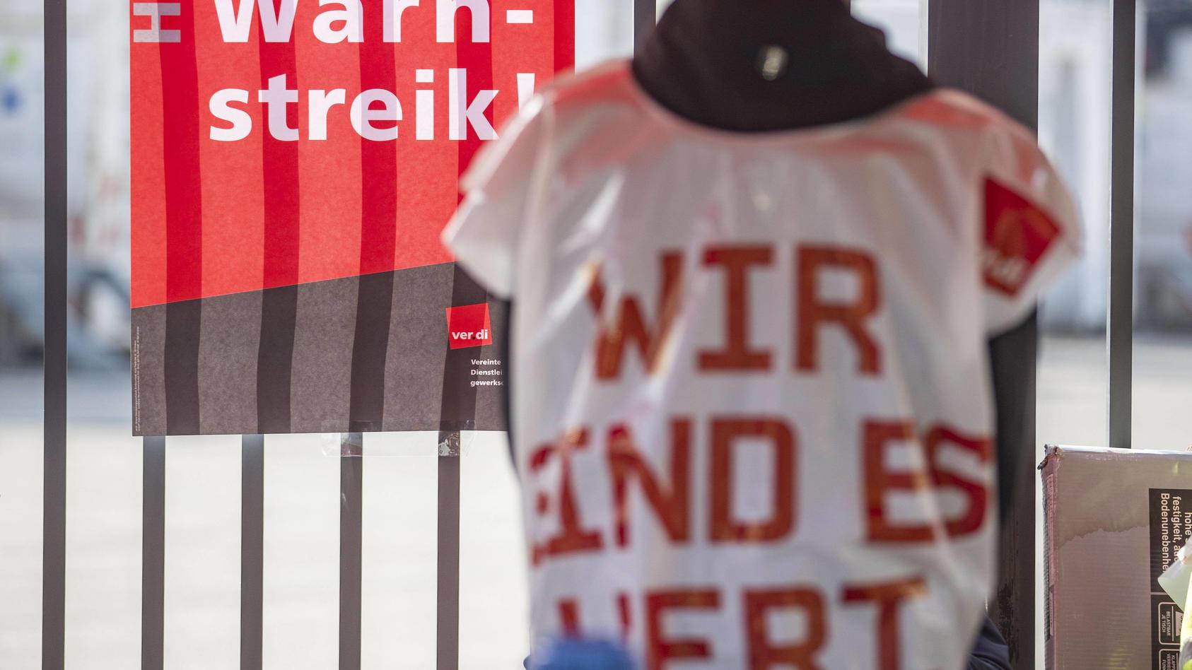 22.09.2020 , DU Duisburg , Warnstreiks im öffentlichen Dienst , Gewerkschaft Ver.di Verdi ruft Mitarbeiter der WBD Wirt