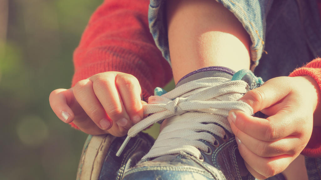 Schuhe zubinden