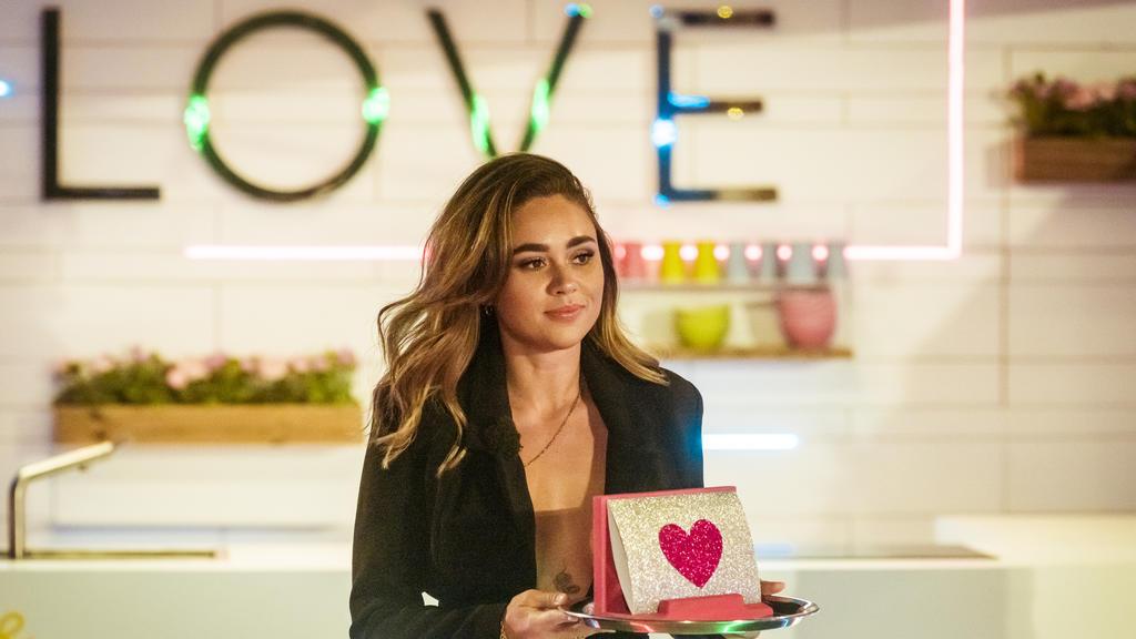 """Beim """"Love Island""""-Finale 2020 ist Bachelorette Melissa dabei. Sie stand ein Jahr zuvor an dieser Stelle."""