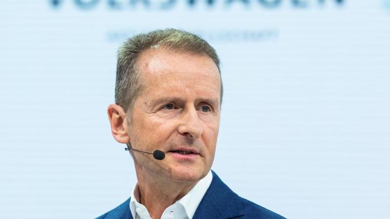 Herbert Diess, Vorstandsvorsitzender der Volkswagen AG. Foto: Christophe Gateau/dpa/Archiv