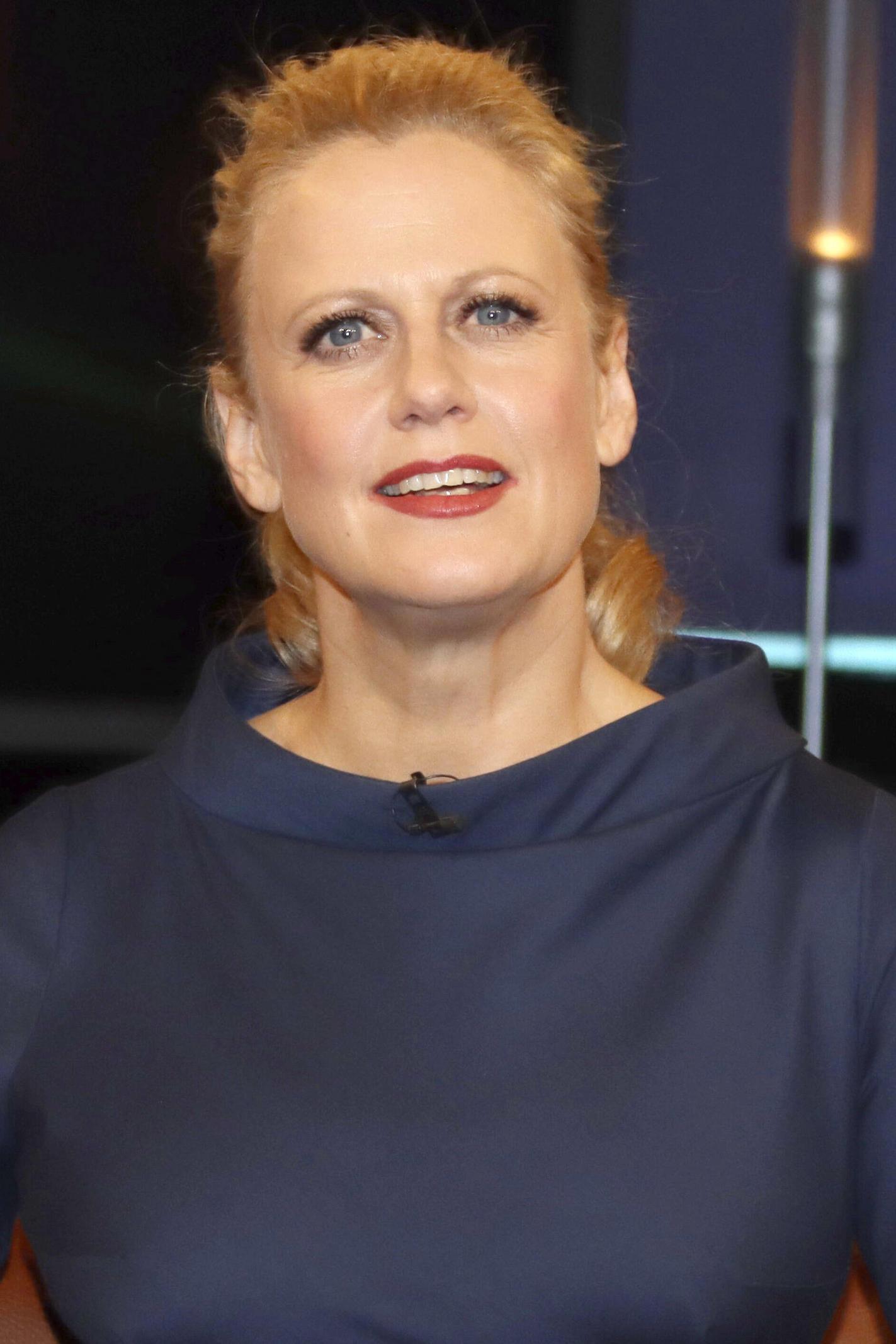 Barbara mann schöneberger von ᐅ Barbara