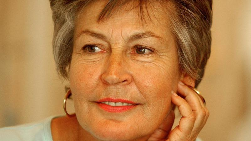 Die feministische Sängerin Helen Reddy ist tot. Foto: Mick Tsikas/AAP/dpa