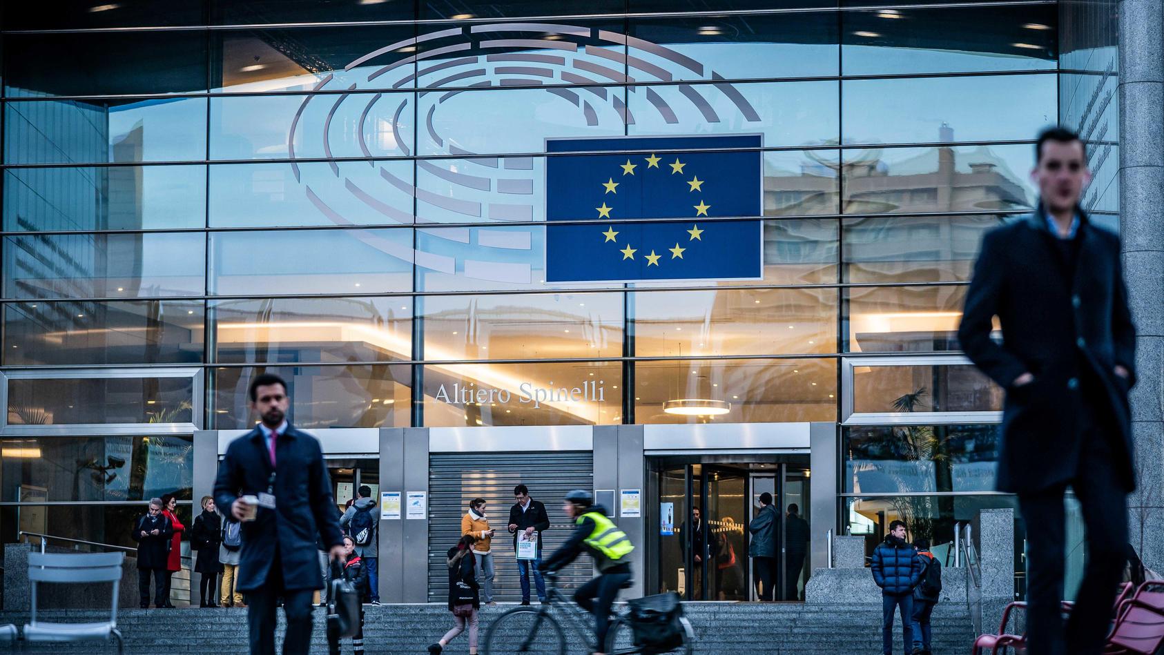 Die Bundesregierung hat wegen steigender Corona-Infektionszahlen für ganz Belgien eine Reisewarnung ausgesprochen.