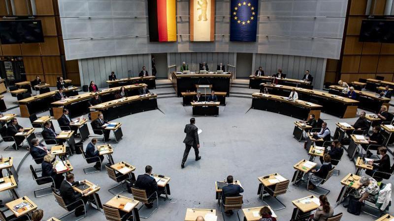 Plenarsaal des Berliner Abgeordnetenhauses. Foto: Fabian Sommer/dpa/Archivbild