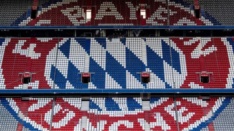 Das FC Bayern-Logo ist zu sehen. Foto: Matthias Balk/dpa/Symbolbild