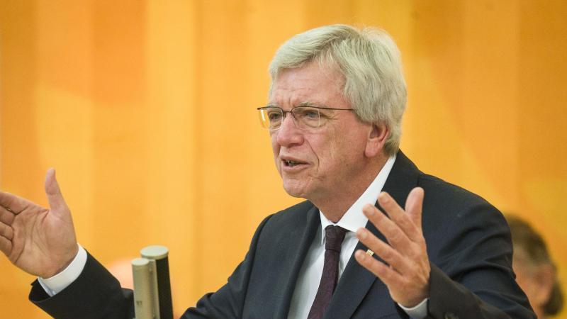 Der hessische Ministerpräsident Volker Bouffier (CDU). Foto: Frank Rumpenhorst/dpa/Archivbild