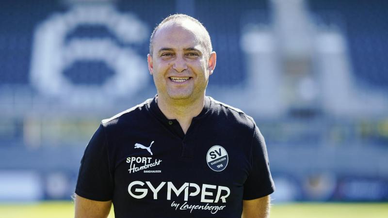 Mikayil Kabaca, Sportlicher Leiter beim SV Sandhausen. Foto: Uwe Anspach/dpa/Archivbild