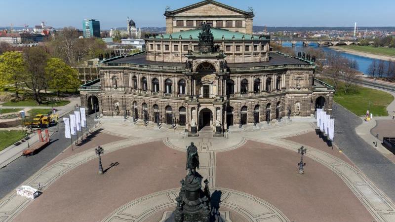 Die Dresdner Altstadt mit dem Theaterplatz und der Semperoper. Foto: Jan Woitas/dpa-Zentralbild/dpa/Archivbild
