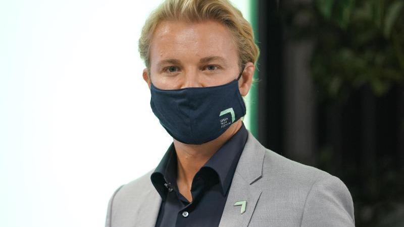 Nico Rosberg bei einer Veranstaltung. Foto: Jörg Carstensen/dpa/Archivbild