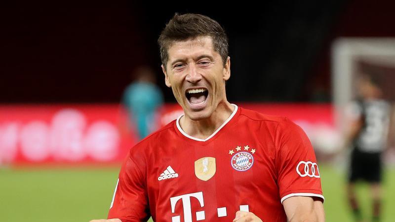 Bayern-Torjäger Robert Lewandowski ist Europas Fußballer des Jahres. Foto: Alexander Hassenstein/Getty Images Europe/Pool/dpa