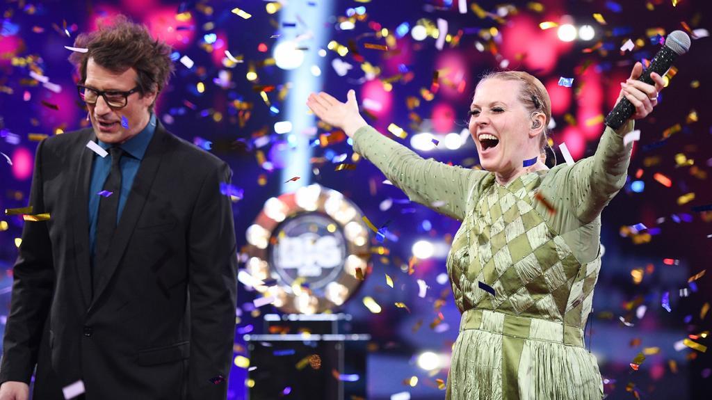 """Sie kann endlich ihr wahres Gesicht zeigen: Patricia Kelly gewinnt """"Gute Leistung"""""""