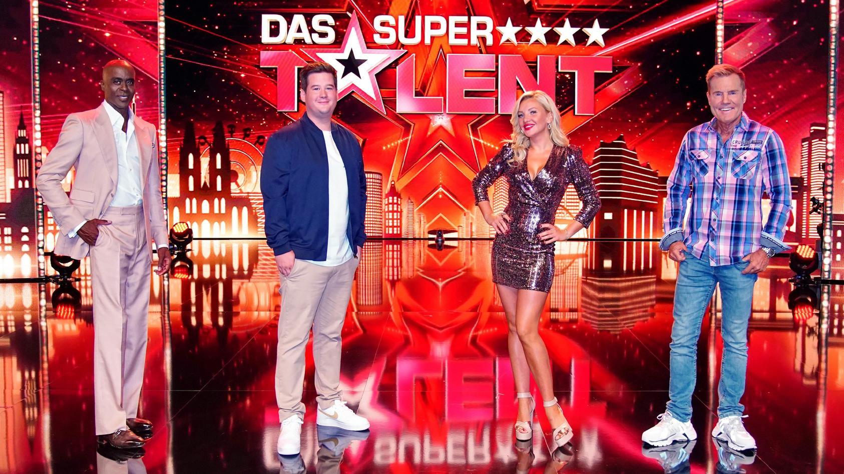 """Bei """"Das Supertalent 2020"""" sitzen Bruce Darnell, Chris Tall, Evelyn Burdecki und Dieter Bohlen in der Jury."""