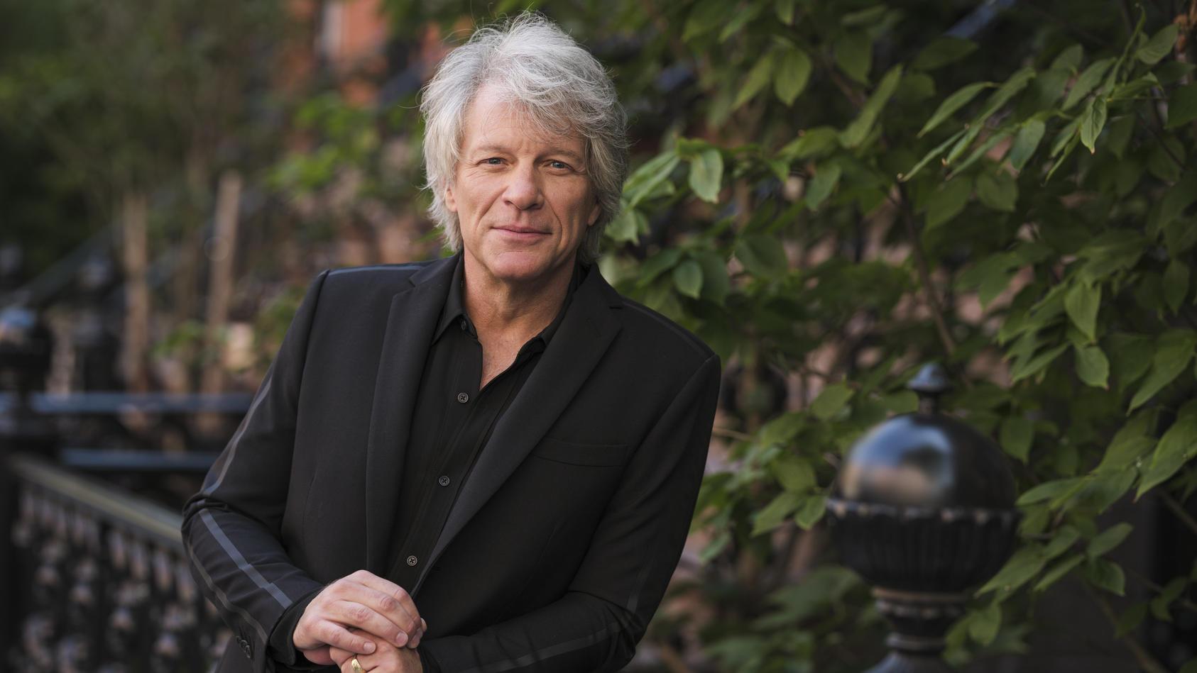 Jon Bon Jovi: Ein zufriedener Silberfuchs.