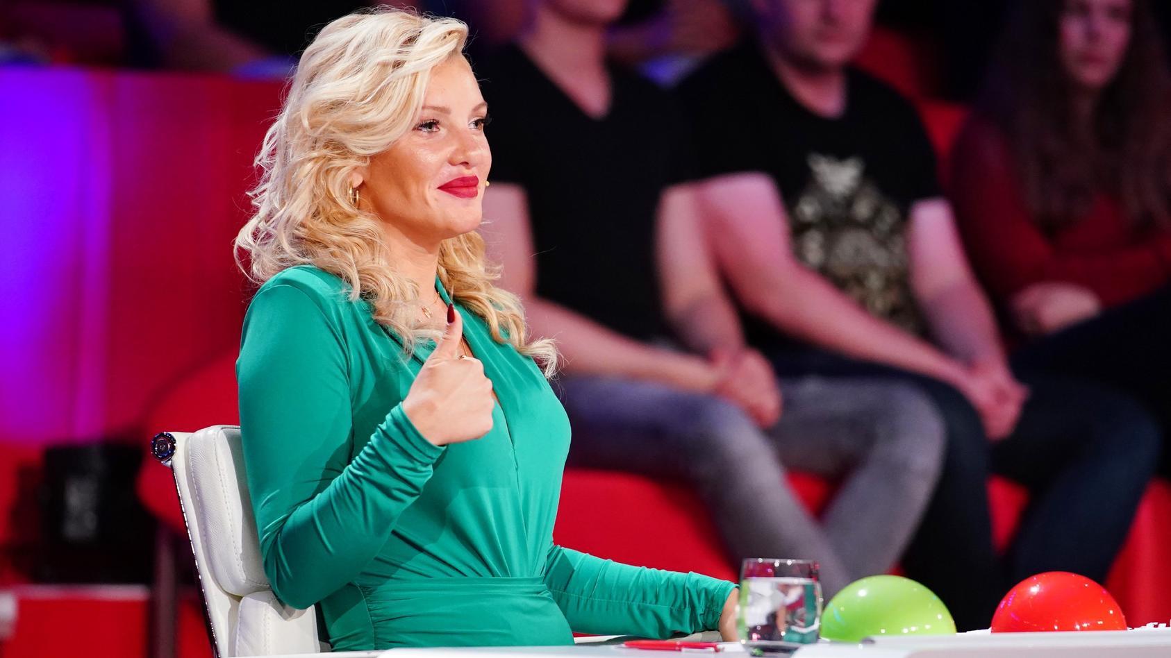 """Evelyn Burdecki ist in der Jury von """"Das Supertalent"""" 2020."""