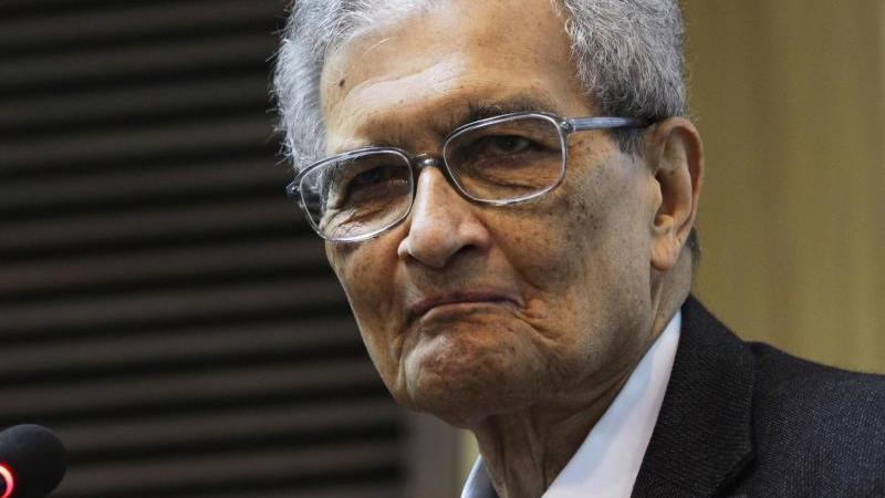 Der indische Wirtschaftswissenschaftler und Philosoph Amartya Sen. Foto: Anindito Mukherjee/EPA/dpa/Archivbild
