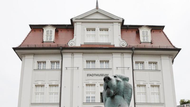 Das Geraer Stadtmuseum ist von Außen zu sehen. Foto: Bodo Schackow/dpa-zentralbild/dpa/Archiv