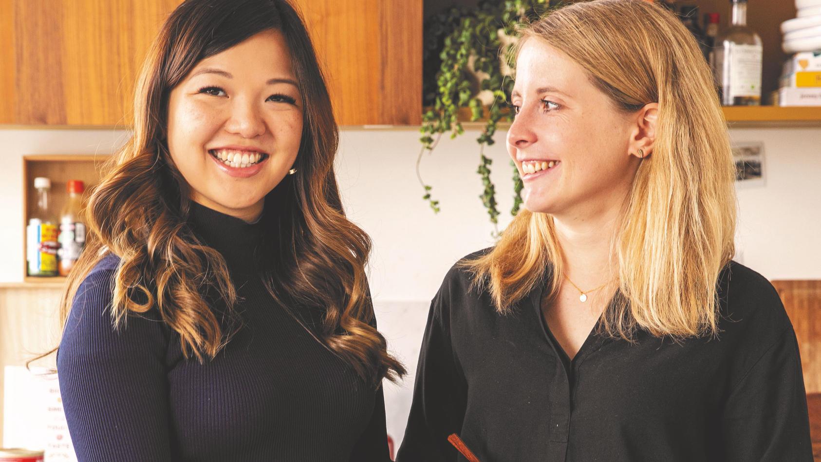 Kitchen-Stories-Gründerinnen Mengting Gao (l.) und Verena Hubertz