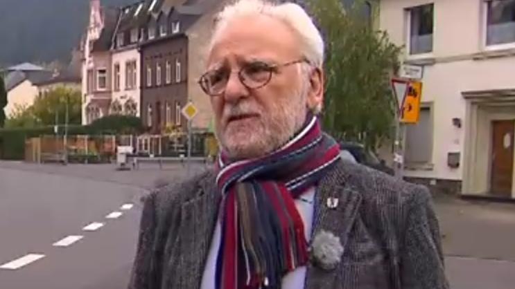 """Patrice Christian Roger Langer ist Bürgermeister von Traben-Trarbach. Er lernte Herman X. 2015 in seinem """"Cyberbunker"""" kennen."""