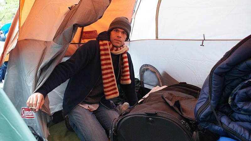 Er zeltet seit Wochen im Zuccotti-Park und trotzt der Kälte: James Molenda.