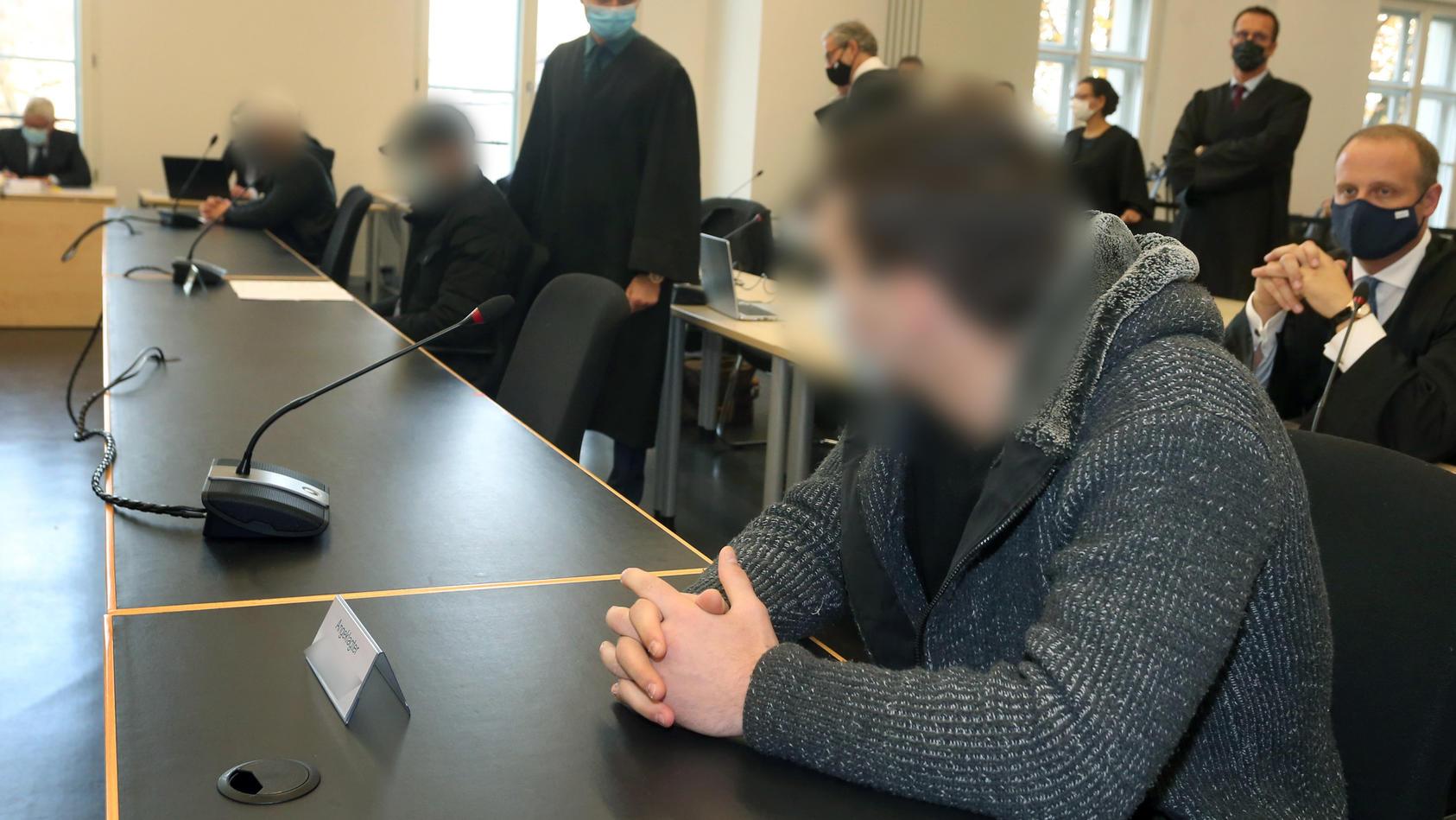 Im Prozess hat der Hauptangeklagte vor Gericht den tödlichen Schlag eingeräumt und Reue gezeigt. Der