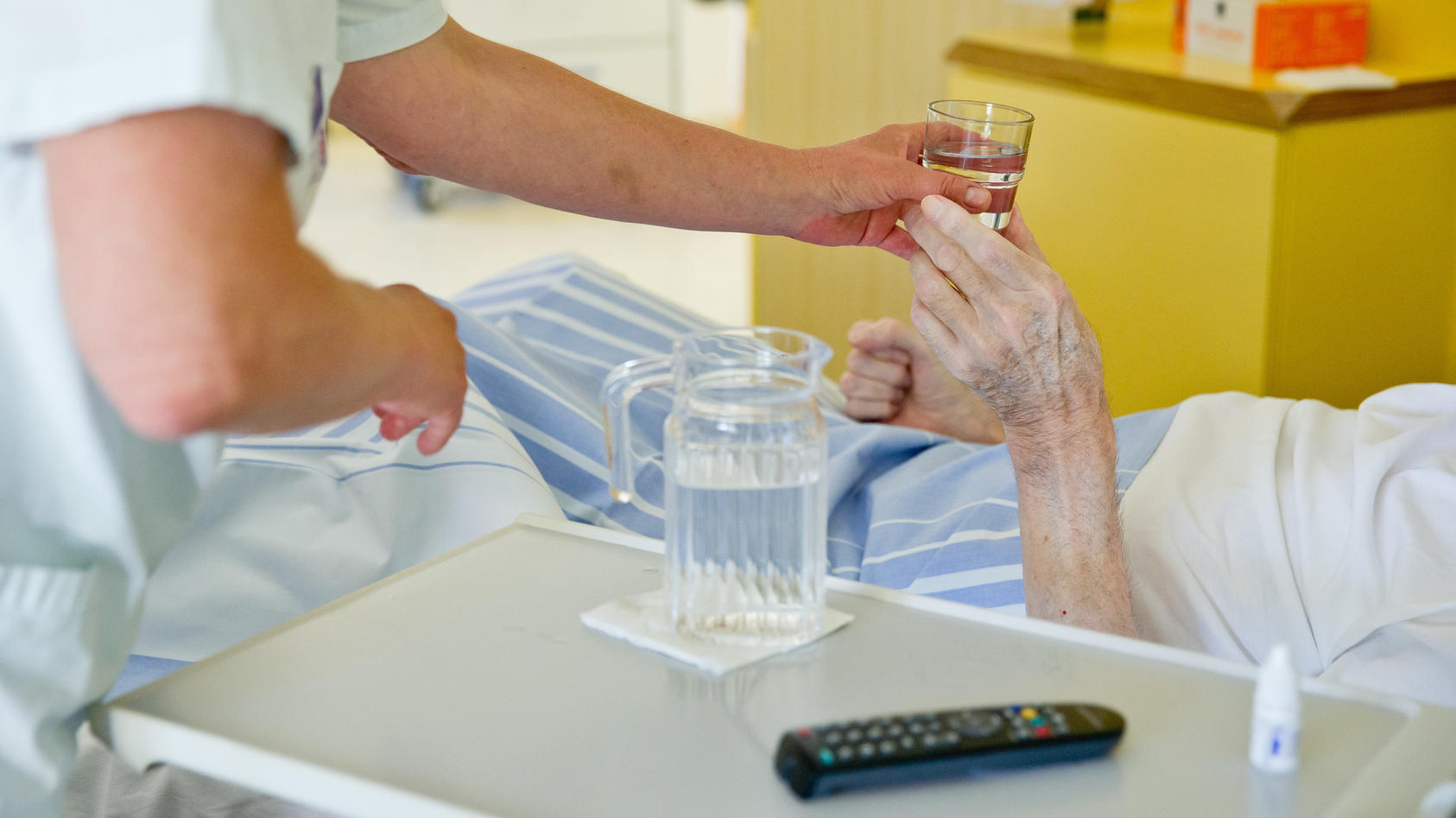 In einem Seniorenheim in Laichingen haben sich Dutzende Bewohner und Mitarbeiter mit dem Coronavirus infiziert (Fot: Motivbild).