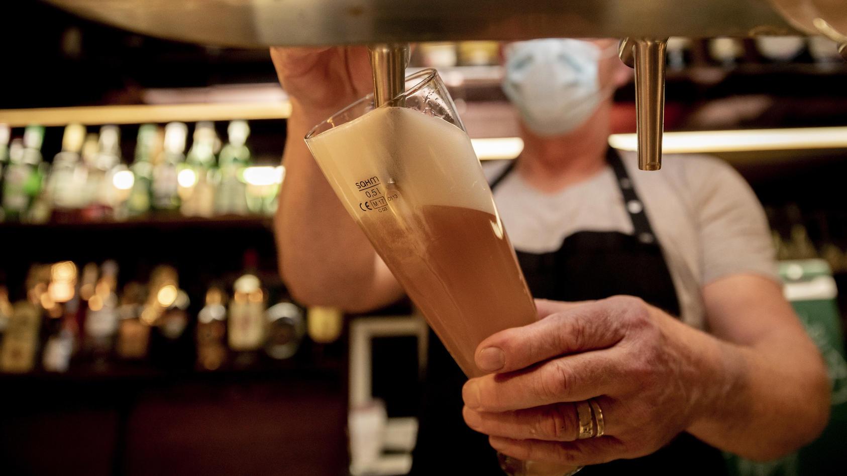 Bremer Wirte klagen gegen Sperrstunde