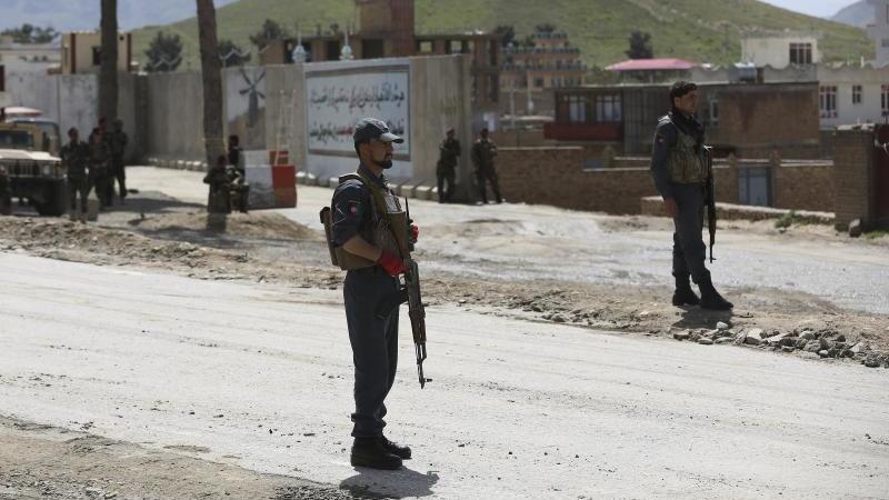 Afghanische Sicherheitskräfte am Stadtrand von Kabul. Foto: Rahmat Gul/AP/dpa/Archiv