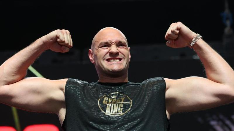 Schwergewichts-Weltmeister Tyson Fury will am 5. Dezember in London seinen nächsten Kampf bestreiten. Foto: Bradley Collyer/PA Wire/dpa