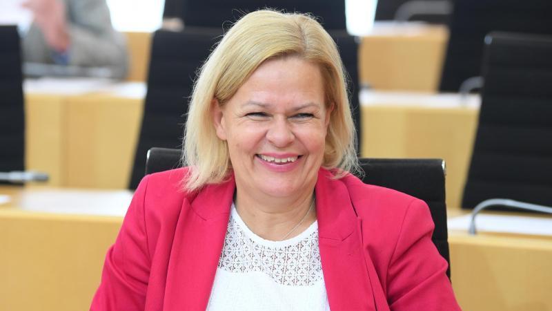 Partei- und Fraktionschefin Nancy Faeser (SPD) im Landtag. Foto: Arne Dedert/dpa/Archivbild