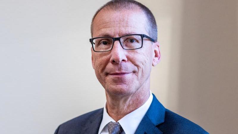 Der neue Präsident des Oberlandesgerichts Kai-Uwe Theede. Foto: Jens Büttner/dpa-Zentralbild/dpa/Archivbild