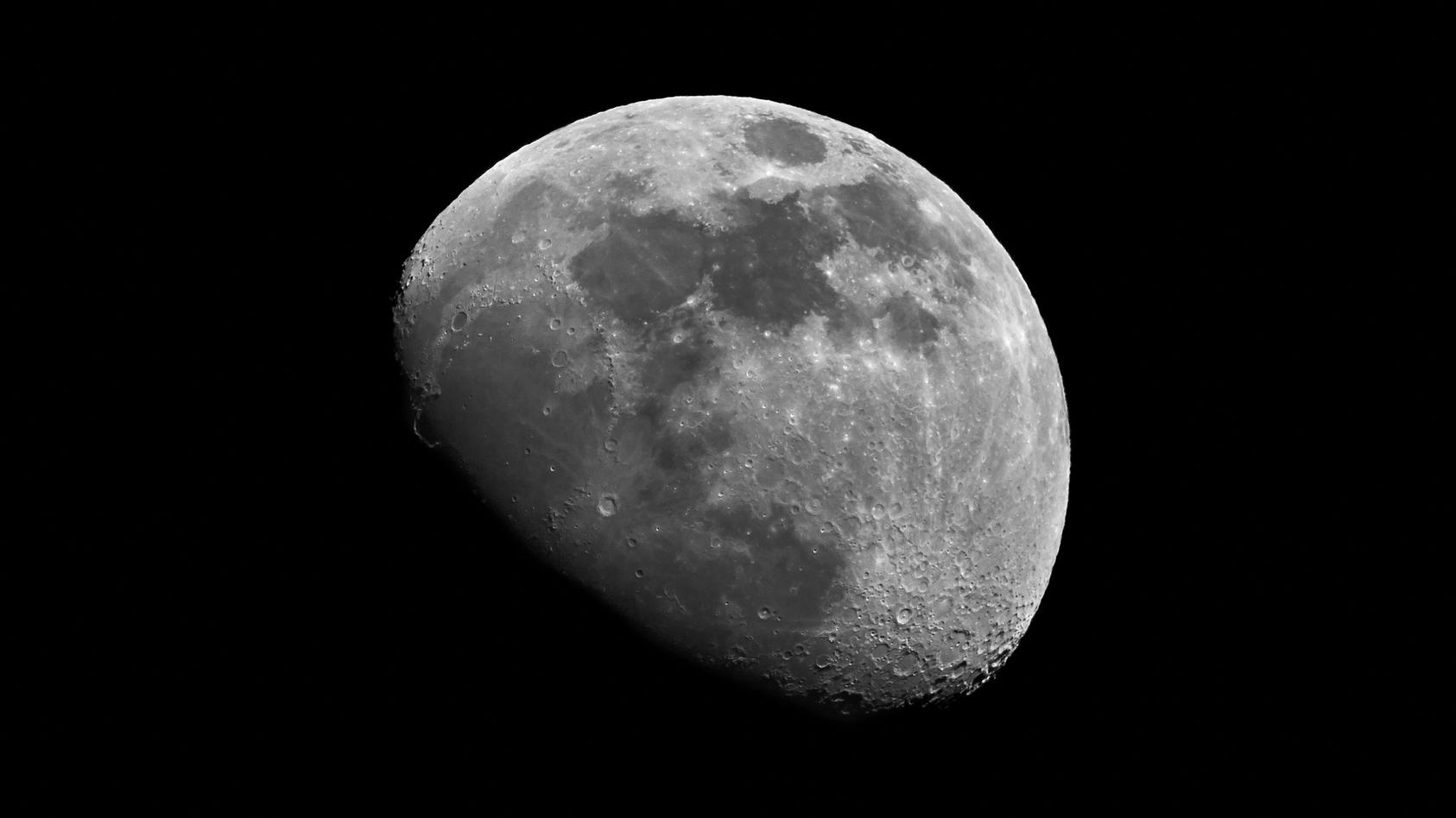 Gibt es Eis auf dem Mond?