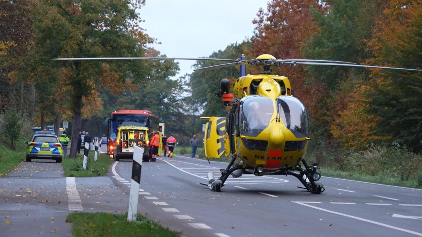 Jugendlicher bei Busunfall lebensgefährlich verletzt