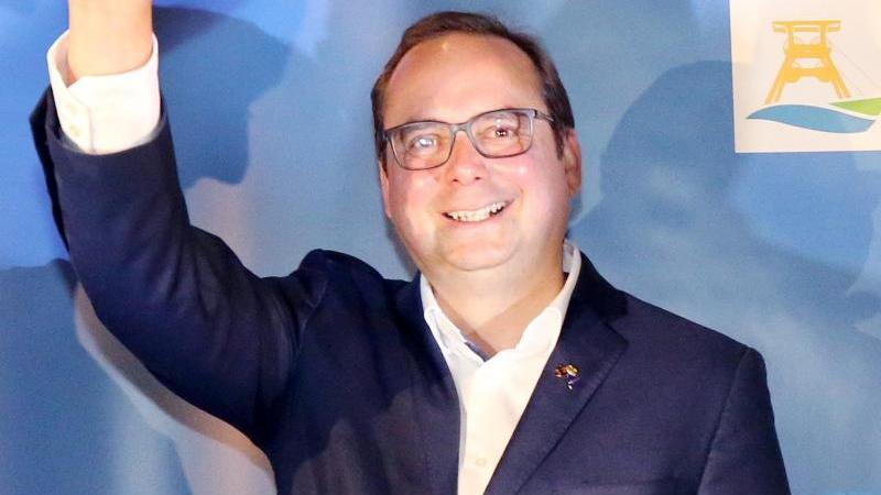 Thomas Kufen (CDU) winkt. Foto: Roland Weihrauch/dpa/Archivbild
