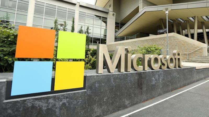 Microsoft übertrifft die Erwartungen der Wall-Street-Analysten deutlich. Foto: Ted S. Warren/AP/dpa