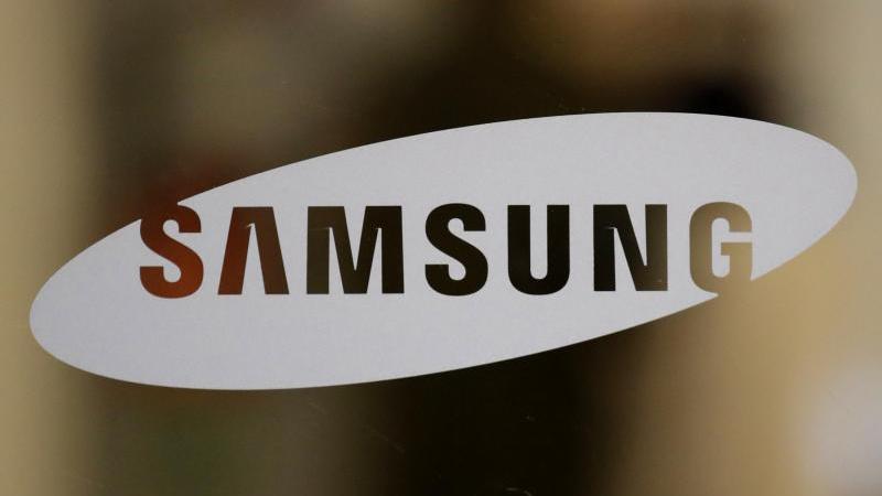 """Mit Blick auf das nächste Jahr erwartet Samsung ein solides Wachstum der """"mobile Nachfrage"""". Foto: Lee Jin-Man/AP/dpa"""