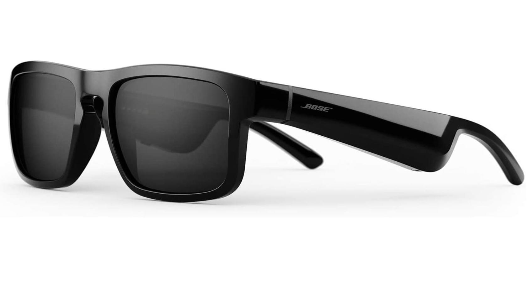 Diese Sonnenbrille von Bose hat eingebaute Lautsprecher in den Bügeln.