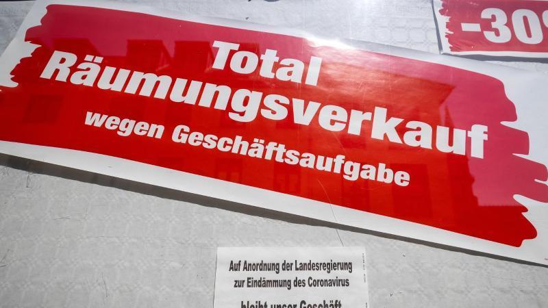 Die Coronabeschränkungen sorgen bei vielen Geschäften für wirtschaftliche Probleme - manchen droht das Aus. Foto: Michael Reichel/dpa-Zentralbild/dpa