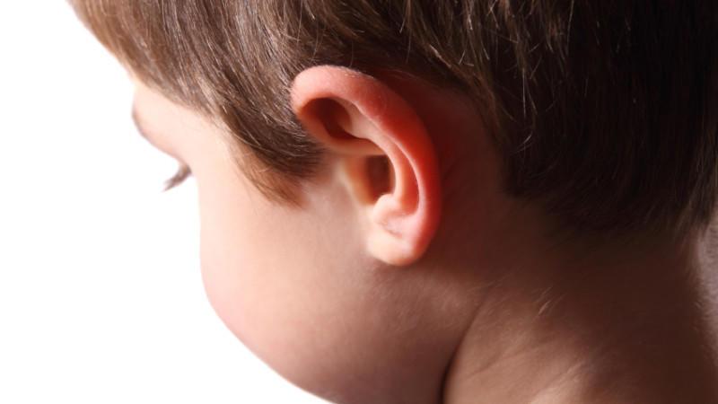 Ein neunjähriger Junge wurde Opfer von unvorstellbaren Qualen. Seine Mutter und ihr Lebensgefährte verkauften ihn an pädophile Männer. (Foto: Symbolbild)