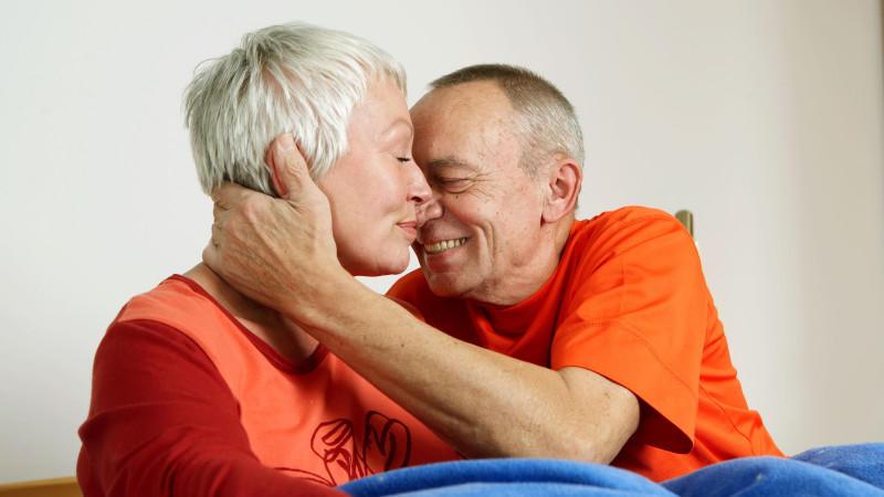 Alzheimer, der Verlust der Persönlichkeit ist für alle schwer zu ertragen.