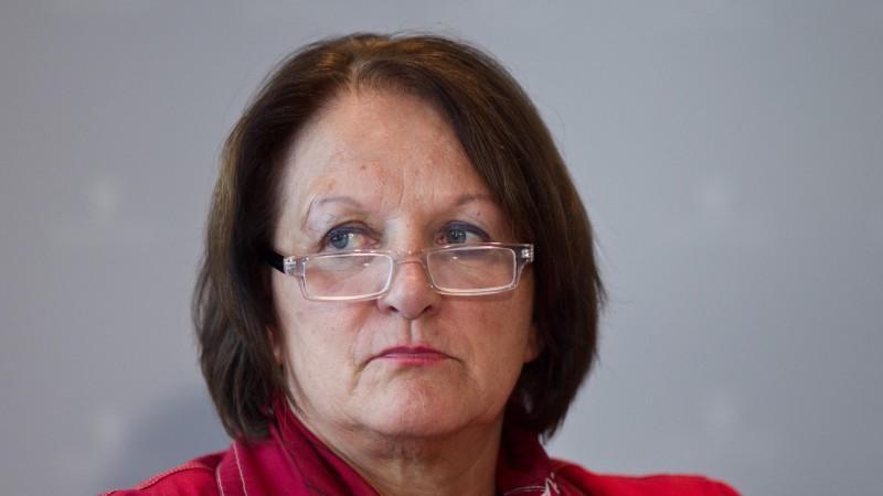 Bundesjustizministerin Sabine Leutheusser-Scharrenberger steht wegen ihres Alleingangs – sie setzte die Unterzeichnung des ACTA-Abkommens durch Deutschland vorerst aus – heftig in der Kritik.