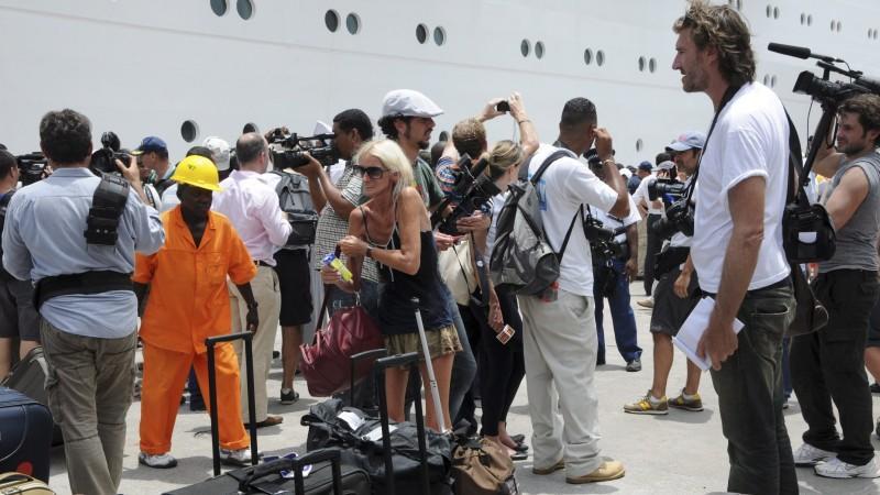 Die Passagiere des havarierten Kreuzfahrtschiffes 'Costa Allegra' werden in der Heimat erwartet.